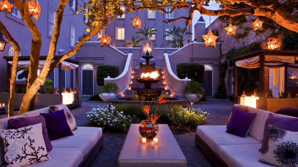 W french quarter enjoy convince and luxury in new for Design hotel new orleans